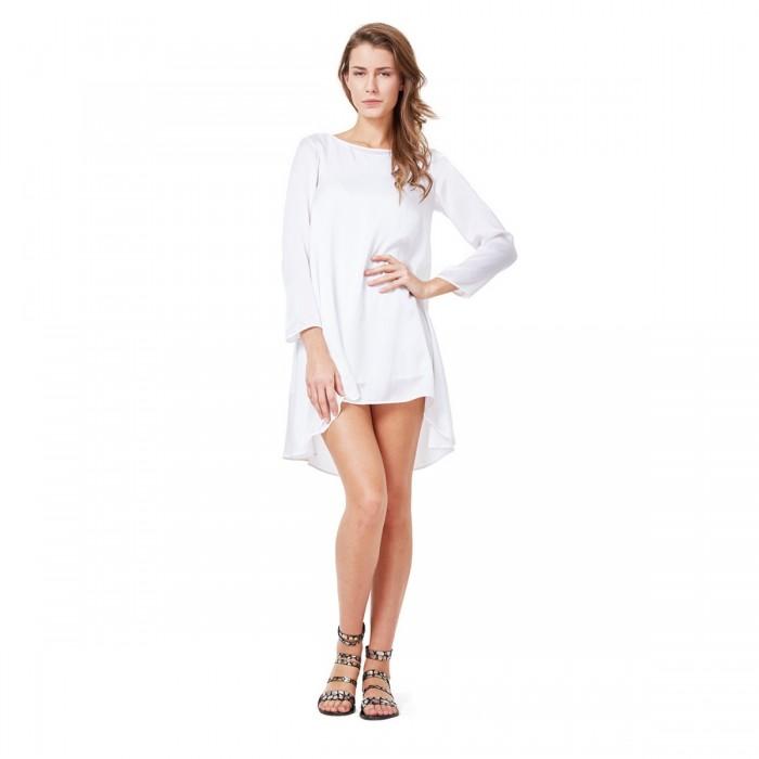 Una abito a contrasto bianco