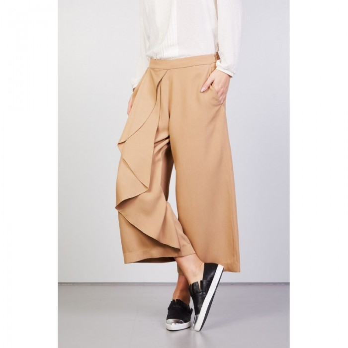 pantalone-crop-con-rouches